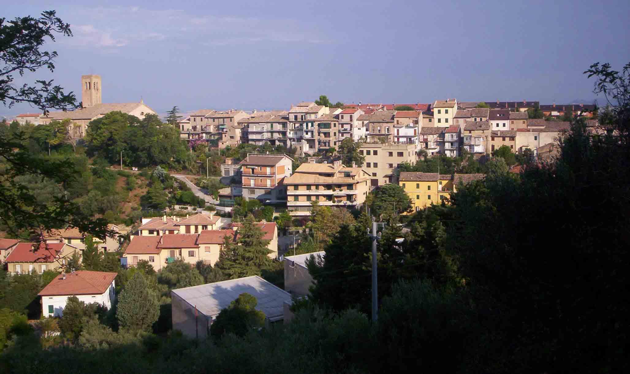 Nuova illuminazione vie storiche di Castelnuovo