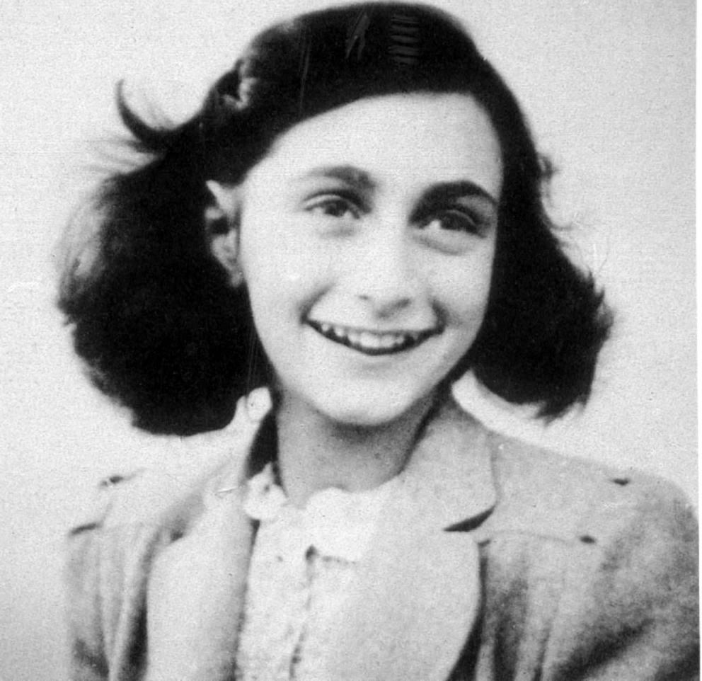Adesivi con Anna Frank, multa da 50 mila euro per la Lazio