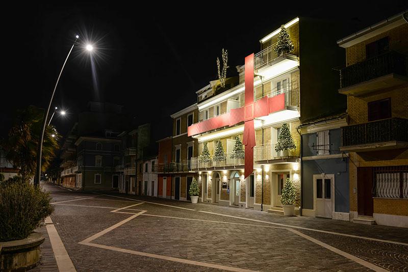 """2d5439a3914 Un """"gioiello"""" Cartier sul lungomare di Porto Recanati"""