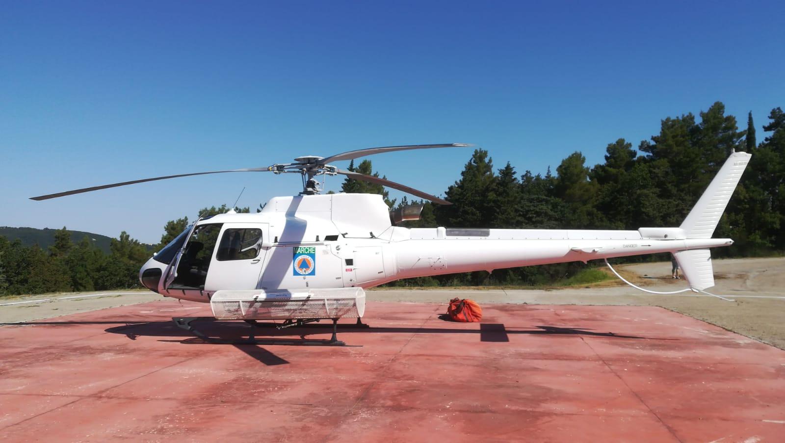 Elicottero B3 : Elicottero protezione civile di base a cingoli per antincendio